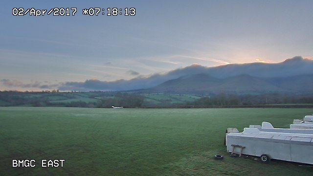 time-lapse frame, sunny gliding NW day webcam